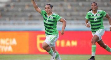 Charlyn vuelve a marcar y México venga la derrota de ayer (0-2)