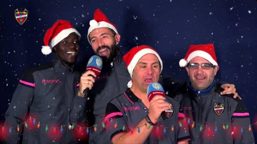 No te pierdas la felicitación navideña de Boateng, Langerak, Enes y cía...