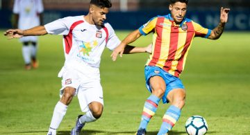 Juan Delgado y Manu Viana golean para un líder inabordable (0-2)