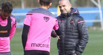 Paco López decide cerrar el entrenamiento en el estadio