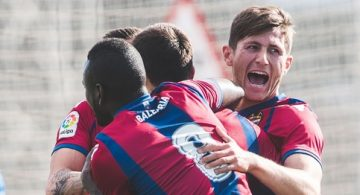 Mongil y Manu Viana sitúan al filial líder provisional (0-2)