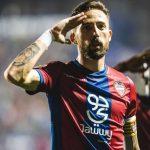 Morales renuncia al dinero asiático y el club le premia con el tercer año fijo