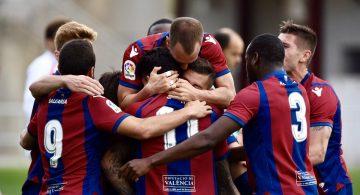 Álex Cortell mantiene líder al filial a falta de un partido (1-0)